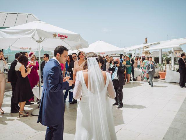 La boda de Carlos y Lara en Sevilla, Sevilla 56