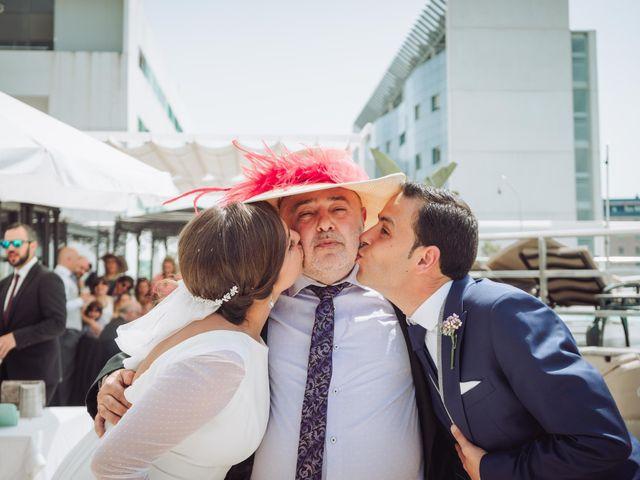 La boda de Carlos y Lara en Sevilla, Sevilla 58