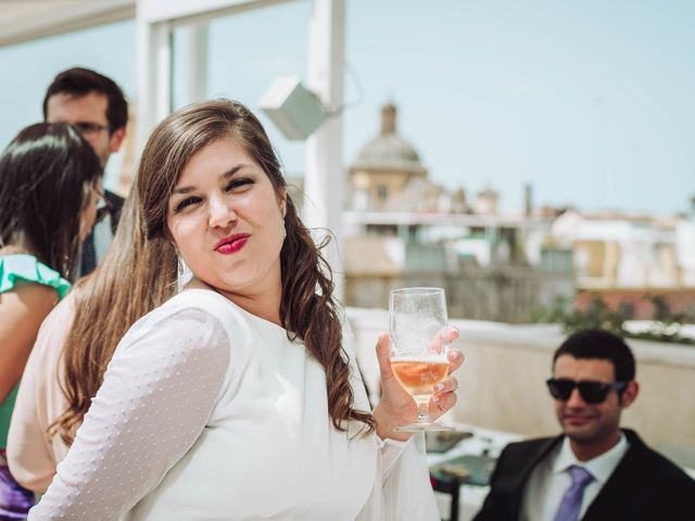 La boda de Carlos y Lara en Sevilla, Sevilla 59