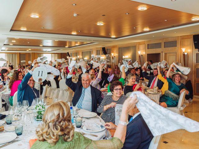 La boda de Carlos y Lara en Sevilla, Sevilla 64