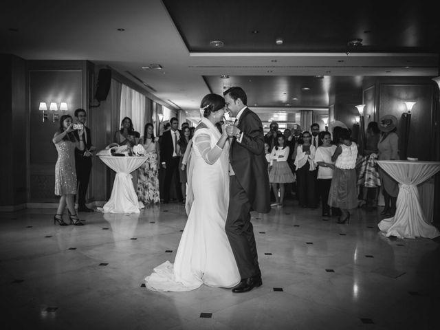 La boda de Carlos y Lara en Sevilla, Sevilla 76