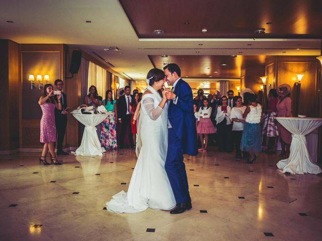 La boda de Carlos y Lara en Sevilla, Sevilla 77