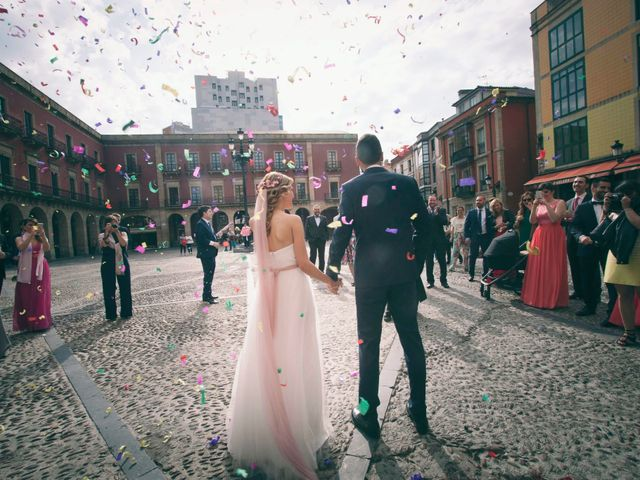 La boda de Sergio y Natalia en Gijón, Asturias 13