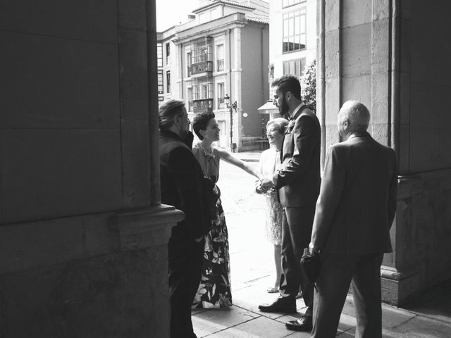 La boda de Sergio y Natalia en Gijón, Asturias 17