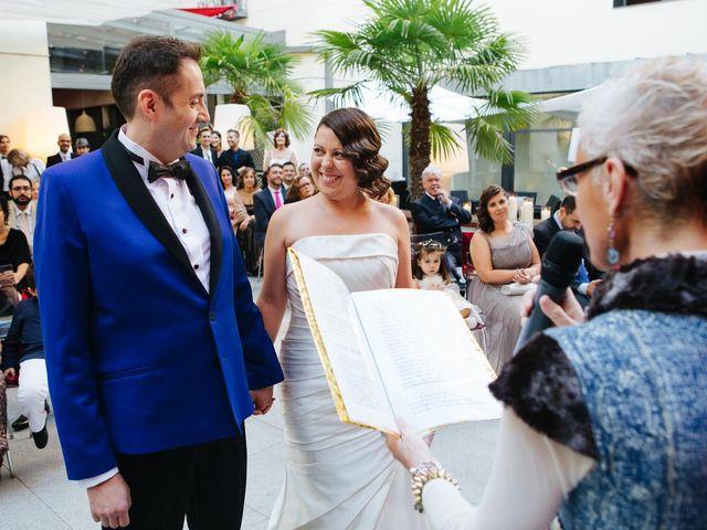 La boda de Santiago y Esther en Madrid, Madrid 12