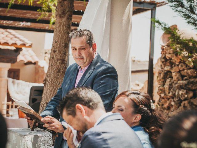 La boda de Marco y Mercedes en Villar De La Encina, Cuenca 28