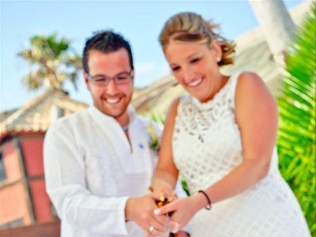 La boda de Emilio y Marta en Los Caños De Meca, Cádiz 12