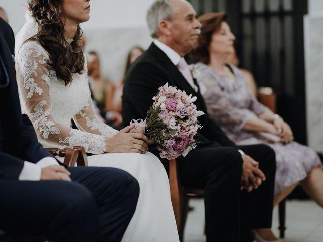 La boda de Alejandro y Isabel en La Roca De La Sierra, Badajoz 17