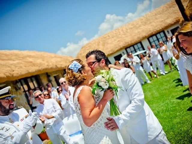 La boda de Emilio y Marta en Los Caños De Meca, Cádiz 26