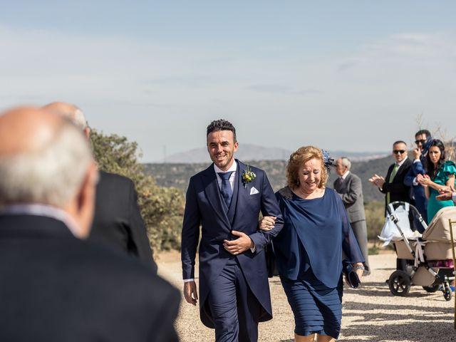 La boda de Sara y Marcos en Torrelodones, Madrid 17