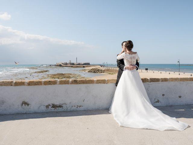 La boda de Víctor y Inmaculada en Cádiz, Cádiz 26