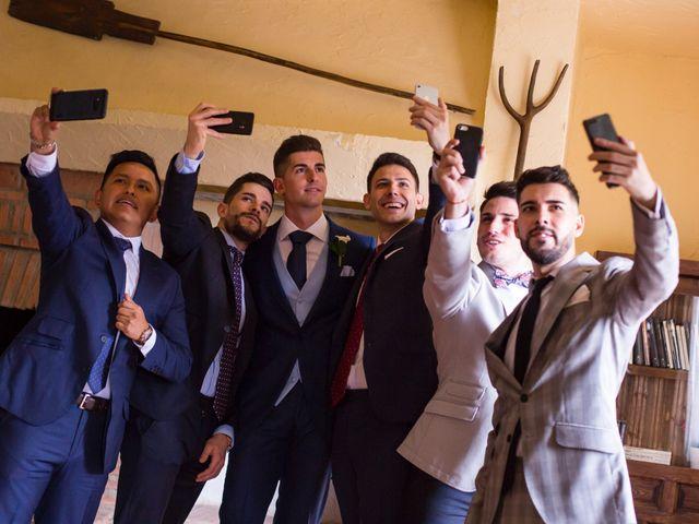 La boda de Oscar y Ana en Aldea Del Fresno, Madrid 3