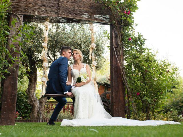 La boda de Oscar y Ana en Aldea Del Fresno, Madrid 13