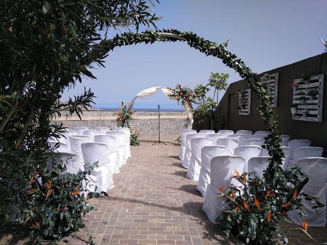 La boda de Alberto y Cathaysa en Candelaria, Santa Cruz de Tenerife 13