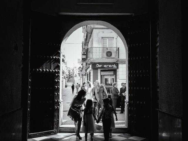La boda de Rosa y Omar en Chiclana De La Frontera, Cádiz 22
