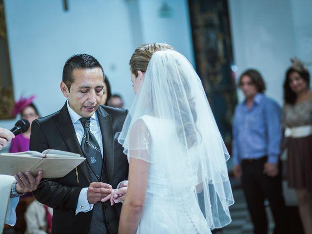 La boda de Rosa y Omar en Chiclana De La Frontera, Cádiz 23