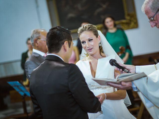 La boda de Rosa y Omar en Chiclana De La Frontera, Cádiz 24
