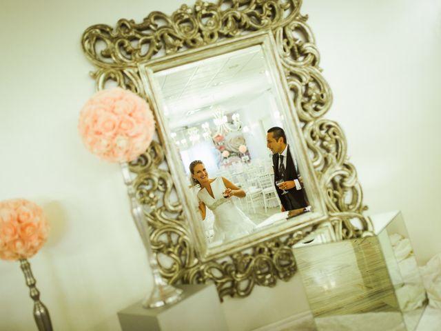 La boda de Rosa y Omar en Chiclana De La Frontera, Cádiz 31