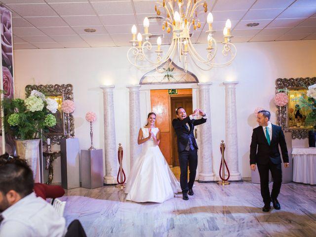 La boda de Rosa y Omar en Chiclana De La Frontera, Cádiz 35