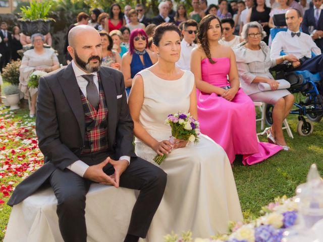 La boda de Quique y Rocío en A Coruña, A Coruña 16
