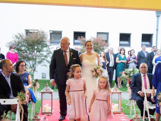 La boda de Ivan y Diana en Oviedo, Asturias 15