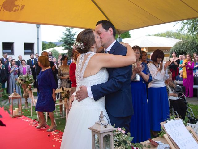 La boda de Ivan y Diana en Oviedo, Asturias 22