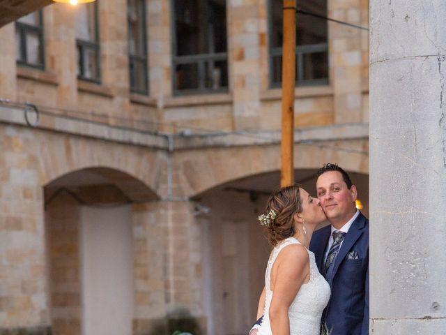 La boda de Ivan y Diana en Oviedo, Asturias 42