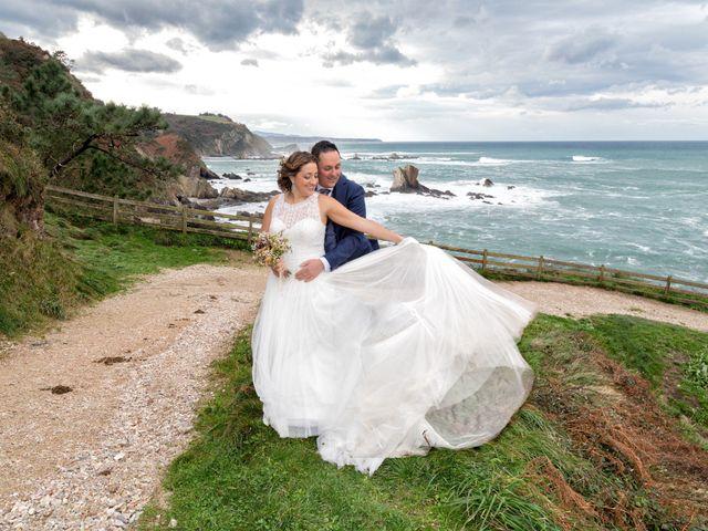 La boda de Ivan y Diana en Oviedo, Asturias 48