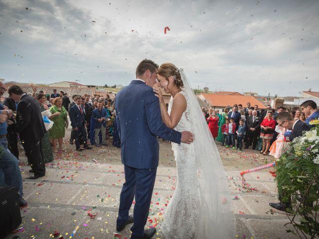 La boda de Guille y Mari Carmen en Pedrajas De San Esteban, Valladolid 20