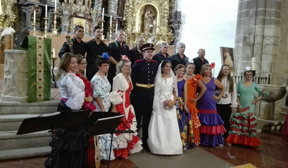 La boda de Gustavo y Lole en Logrosan, Cáceres