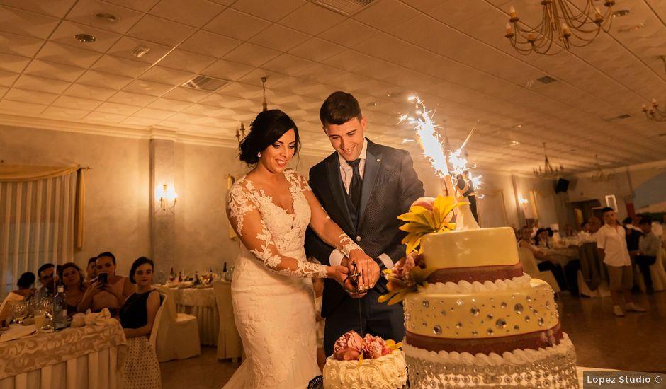 La boda de Juan Antonio y Lorena en Olvera, Cádiz