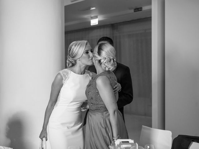 La boda de Fernando y Vanesa en Fuengirola, Málaga 62