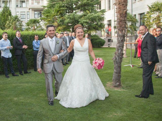La boda de Luis y Leticia en La Bañeza, León 14