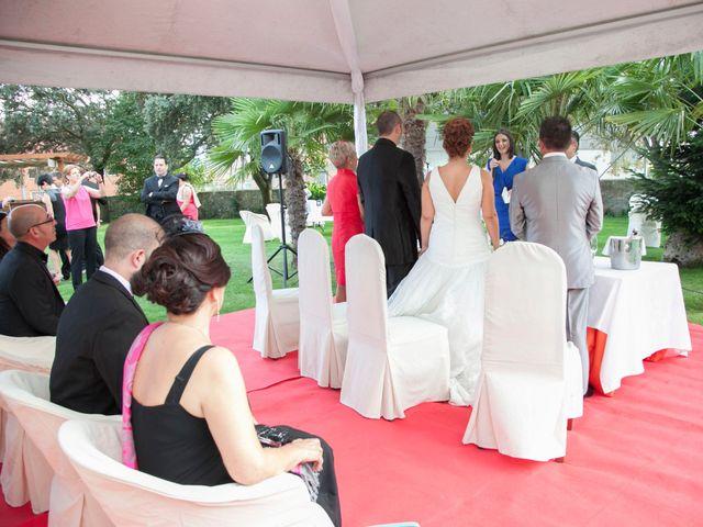 La boda de Luis y Leticia en La Bañeza, León 16
