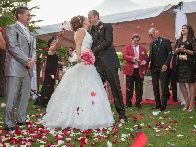 La boda de Luis y Leticia en La Bañeza, León 18