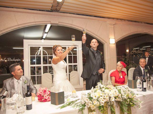 La boda de Luis y Leticia en La Bañeza, León 21
