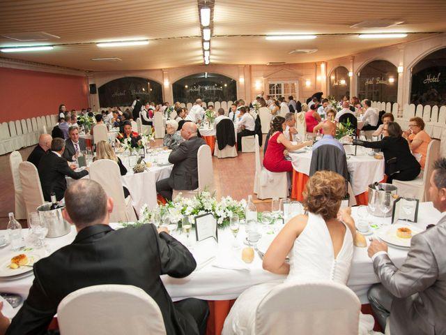 La boda de Luis y Leticia en La Bañeza, León 22