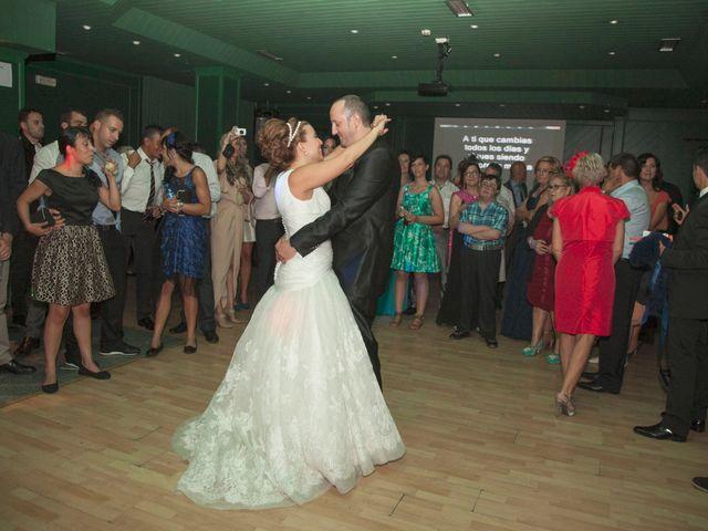 La boda de Luis y Leticia en La Bañeza, León 25