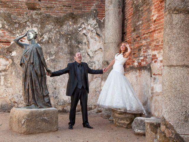 La boda de Luis y Leticia en La Bañeza, León 33