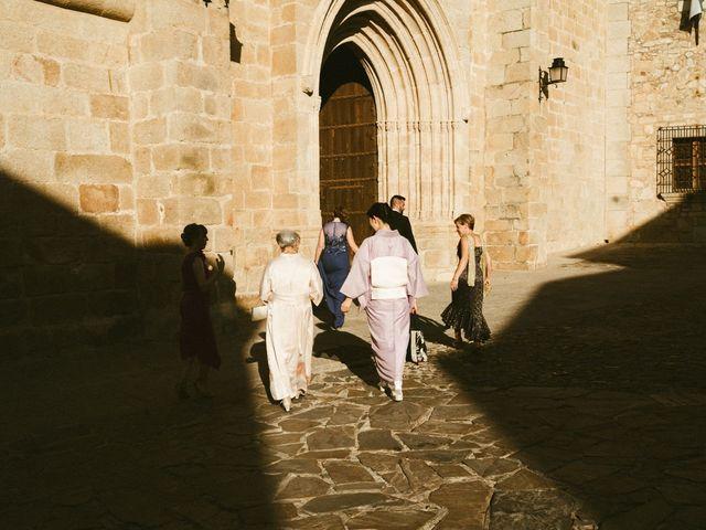La boda de Miguel y Marta en Cáceres, Cáceres 17