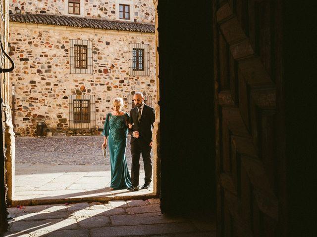 La boda de Miguel y Marta en Cáceres, Cáceres 18