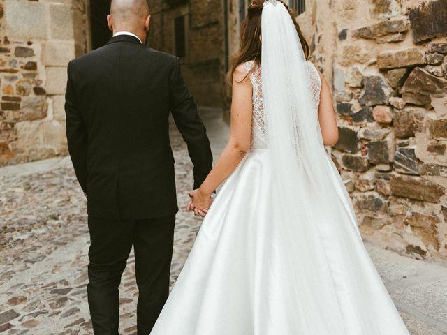 La boda de Miguel y Marta en Cáceres, Cáceres 26