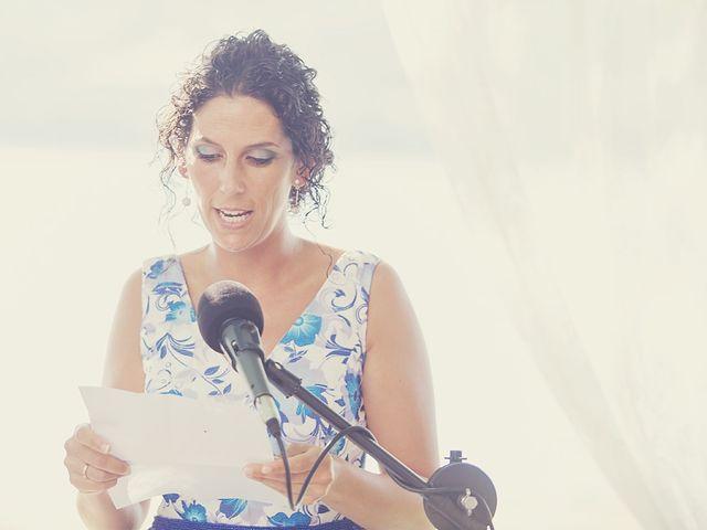 La boda de July y Mayra en Ferrol, A Coruña 18