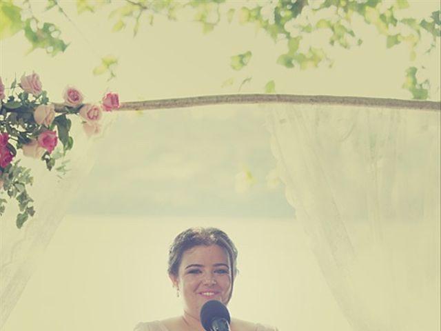 La boda de July y Mayra en Ferrol, A Coruña 19
