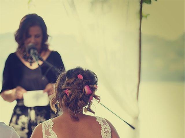 La boda de July y Mayra en Ferrol, A Coruña 20