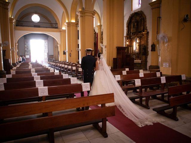 La boda de José y Laura en Chiclana De La Frontera, Cádiz 24