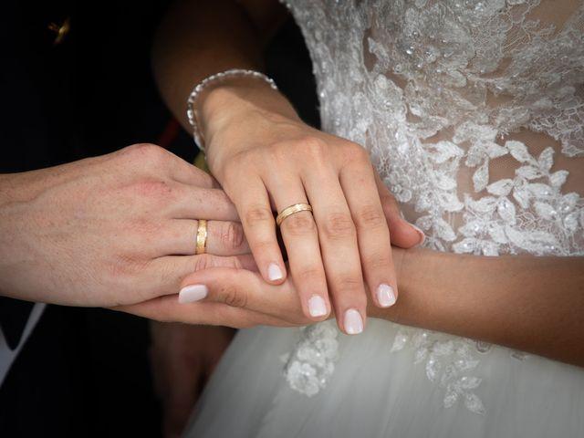 La boda de José y Laura en Chiclana De La Frontera, Cádiz 33