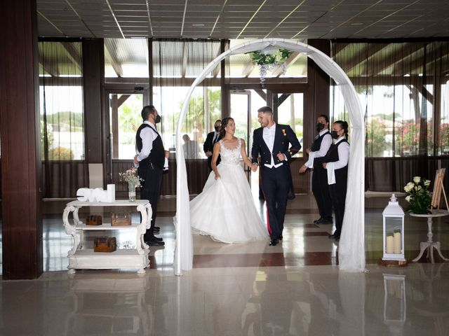 La boda de José y Laura en Chiclana De La Frontera, Cádiz 39
