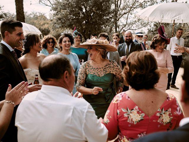 La boda de José Manuel y Almudena en Dos Hermanas, Sevilla 97