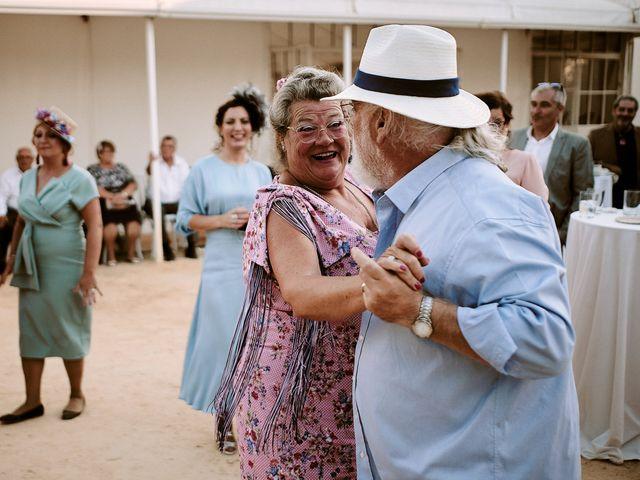 La boda de José Manuel y Almudena en Dos Hermanas, Sevilla 111